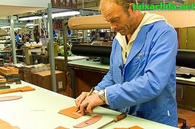 Quy trình sản xuất những chiếc túi xách hàng hiệu 4