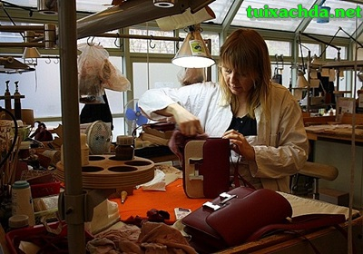 Quy trình sản xuất những chiếc túi xách hàng hiệu 7