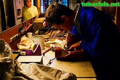 Quy trình sản xuất những chiếc túi xách hàng hiệu 8