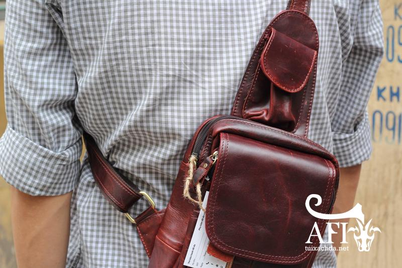Túi đeo lưng nam thời trang da thật đựng iPad mini tdl10 nâu đỏ 4