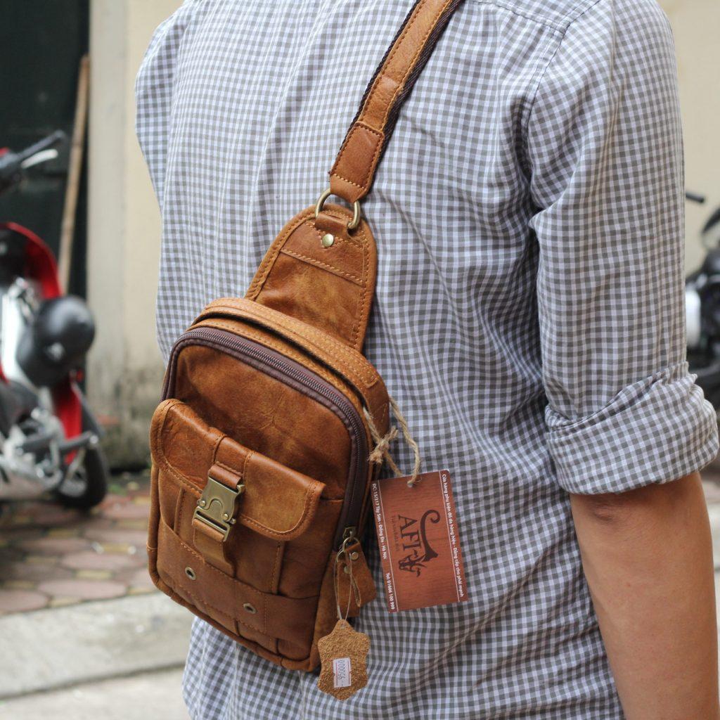 Túi đeo ngực da thật cho nam thời trang bụi bặm màu nâu bò 5